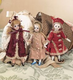 View Catalog Item - Theriault's Antique Doll Auctions - three french girls
