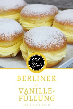 Berlin with vanilla filling- Berliner mit Vanillefüllung As many as the names, so varied the fillings: Berliner! Or just pancakes, donuts, Berlin pancakes … In this video we show you Berliners with a delicious vanilla filling, have fun trying it! Donut Recipes, Easy Cake Recipes, Burger Recipes, Keto Recipes, Oreo Desserts, Pudding Desserts, Mini Donuts, Baked Donuts, Doughnut