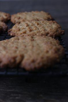 Vegane Erdnussbutterkekse Kekse sind der ideale Begleiter für alle Lebenslagen und eignen sich auch sehr zum Verschicken. Wie wäre es da mit diesen veganen Erdnussbutterkeksen?