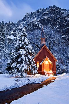 Winter, Yosemite church by Kevin Pieper. A quaint, brightly lit little church in the midst of a winter storm. Winter Snow, Winter Time, Winter Christmas, Winter Light, Christmas Images, Christmas Cards, Merry Christmas, Old Country Churches, Old Churches