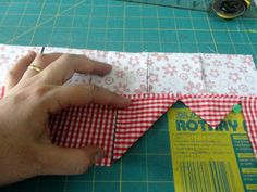 border Quilting Tips, Quilting Tutorials, Quilting Designs, Sewing Basics, Sewing Hacks, Sewing Projects, Baby Applique, Applique Quilts, Patch Quilt