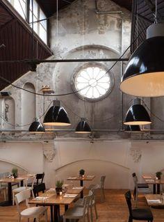 Concrete in interior design - Mercat Restaurant in Amsterdam