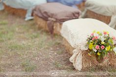 Paso paso que me caso: Balas o fardos de paja para una boda campestre o no...