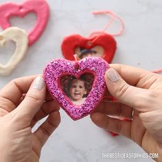 These salt dough heart ornaments are the perfect handmade gift for Valentine's day or Mother's Day! See how to make your own salt dough hearts. SALT DOUGH HEART ORNAMENTS ❤️ Love these DIY salt dough hearts for Valentine's day or Mother's Day! Toddler Crafts, Crafts To Make, Craft Projects, Crafts For Kids, Mothers Day Crafts, Valentine Day Crafts, Holiday Crafts, Mothers Day Presents, Fall Crafts