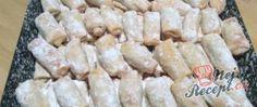 Recept Rohlíčky ze zakysané smetany plněné povidly Meat, Super, Food, Restaurant, Cake Batter, Whipped Cream, Plum Jelly, Top Recipes, Best Recipes