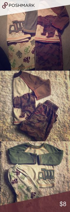 🛍BUNDLE DEAL! 2 pairs of PJs Both size 3T super soft! Gently worn! Pajamas Pajama Sets