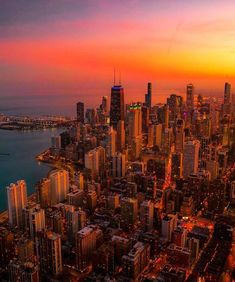 Nyc At Night, Chicago At Night, Beach At Night, Night City, Night Aesthetic, City Aesthetic, Travel Aesthetic, Cool Pictures, Cool Photos