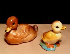 Vtg Bone China Miniature BROWN DUCK MAMA YELLOW DUCKLING Porcelain Figurine Set