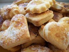 Mini Burgers, Pretzel Bites, French Toast, Bread, Breakfast, Food, Filet Mignon, Bavarian Cream, Kitchens