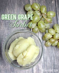 Green Grape Sorbet- A healthy dessert or treat! Blendtec or Vitamix sorbet recip… - Healthy Dessert Ice Cream Desserts, Frozen Desserts, Ice Cream Recipes, Frozen Treats, Strawberry Desserts, Frozen Grapes, Frozen Yogurt, Granita, Healthy Vegan Snacks