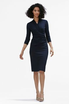 Body-con, meet figure-flattering. Our designer is a master at the Japanese art of wrapping, and this dress is meticulously designed to complement your shape without feeling too tight.