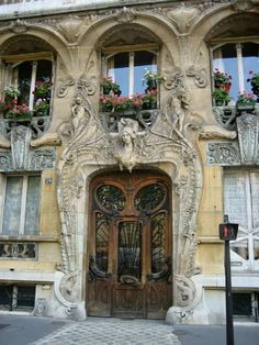 Art Nouveau, Paris-OMG LOOOOve this house