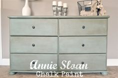 This post explains in depth the differences between Annie Sloan chalk paint & DIY chalk paint- it also includes the recipe for DIY chalk paint.. Great reference!