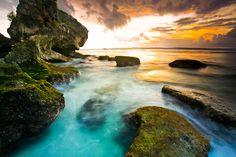 Hidden beach: Suluban, Bali