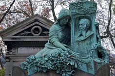 Family Tomb 1, Pere Lachaise Cemetery, via Flickr.