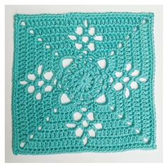 Vi tror, at du vil synes om disse pins Granny Square Afghan, Granny Square Crochet Pattern, Crochet Squares, Crochet Granny, Crochet Motif, Knit Crochet, Crochet Patterns, Crochet Monsters, Crochet Dishcloths