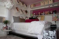 Great idea for tween/teen girls room!  Maybe I can eventually do this for my girlie.:)--Could be great for boys too in red or blue!