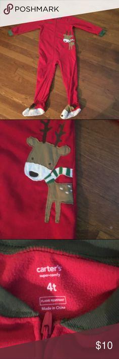 Kids Pajamas. ADORABLE Christmas PJ's for boy/girl. Fun, warm and in great condition - perfect for Christmas Eve! Carter's Pajamas