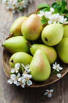 Pears are among the most popular local fruit varieties. But can dogs eat pears? Yes, pears are suitable for dogs but it's choking hazardous. Fruit And Veg, Fruits And Vegetables, Fresh Fruit, Pear Fruit, Apple Pear, Photo Fruit, Pear Blossom, Fruits Photos, Fruit Photography