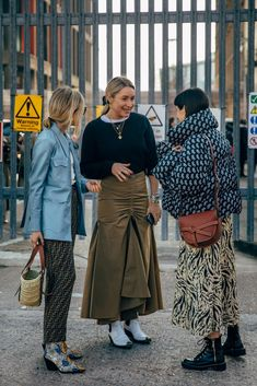 Photo of London Fashion Week Street Style Is Here to Bring You Nonstop Outfit Inspiration Looks Street Style, Autumn Street Style, Looks Style, Street Chic, Street Style Women, Street Style Fashion, Lucy Williams Style, Mode Streetwear, Facon
