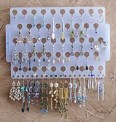 Snap jewelry display for 60 buttons, Snap button display, DIY snap buttons, Snap jewelry storage, snap button storage - Custom Jewelry Ideas Jewelry Tree, Jewelry Stand, Body Jewelry, Jewellery Storage, Jewelry Organization, Jewellery Display, Hanging Necklaces, Craft Show Displays, Plastic Jewelry