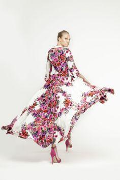 Foto 16 de 16 Espectacular vestido camisero con estampado de flores de Dolores Promesas | HISPABODAS