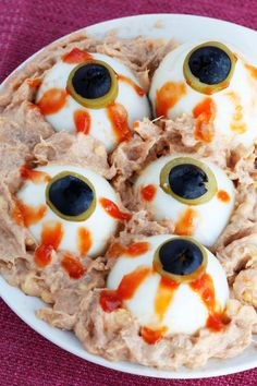 20 terroríficas recetas para Halloween o Samaín Creepy Food, Creepy Halloween Food, Hallowen Food, Halloween 1, Halloween Snacks, Diy Halloween Decorations, Halloween Saludable, Spooky Treats, Good Food