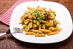 Healthy recipe from safefood. All our recipes are nutritionally analysed by our team of experts. Healthy Pasta Recipes, Healthy Pastas, Vegetarian Recipes, Cooking Recipes, Healthy Food, Penne, Croq Kilo, Pasta Casserole, Happy Foods