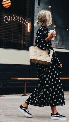flowy dress, spring outfit dress, best spring outfit knit jumper spring what to wear in spring, spring fashion 2020 Source by annameisenberg outfit casual chic Trend Fashion, Fashion Moda, Fashion 2020, New York Fashion, Look Fashion, Spring Fashion, Classy Fashion, Vogue Fashion, Party Fashion