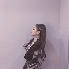 #itzy #lia #choijisu #jisu #aesthetic #kpopaesthetic #aestheticfilter Aesthetic Filter, Kpop Aesthetic, Aesthetic Black, Aesthetic Wallpapers, Wonder Woman, Style Inspiration, Cute, Leonardo Dicaprio, Anime Cosplay