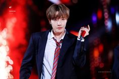 This is a Community where everyone can express their love for the Kpop group BTS Jung Hoseok, Jimin, Bts Bangtan Boy, Bts Taehyung, Gwangju, K Pop, Mixtape, Fansite Bts, Rapper