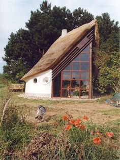 Modern cob house More