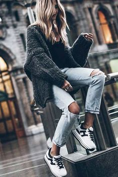 39 Cozy Outfit Ideas That Are Still Sexy We have picked the coziest outfit ideas to make you feel warm during winter. Check them out to select a matching outfit from your stock of clothes. Winter Outfits, Casual Outfits, Fashion Outfits, Fashion Ideas, Mein Style, Inspiration Mode, Matching Outfits, Weekender, Street Style