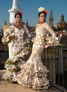 Flamencas en el Mirador - Aires de Feria Lucy likes the beige and I would take either :) Flamenco Costume, Flamenco Dancers, Flamenco Dresses, Folk Costume, Costumes, Cute Dresses, Beautiful Dresses, Spanish Dress, Dance Outfits