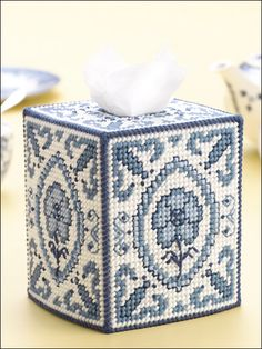 Blue Willow Tissue Box (pattern not free)