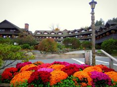 Trapp Family Lodge in Stowe, Vermont Id Travel, Norway Oslo, Stowe Vermont, Local Attractions, Salzburg, Vacation Ideas, East Coast, Garden Inspiration, New England