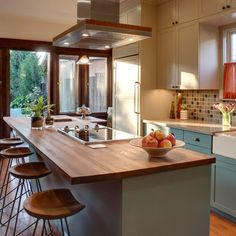Craftsman Kitchen - traditional - kitchen - los angeles - Synthesis Inc.