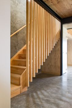 Triangle Road Community Housing - SGA - Magnificent wooden fencing in a light wooden staircase which contrasts with the polished concrete f - Staircase Railings, Stairways, Staircase Ideas, Escalier Design, Casas Containers, Community Housing, Modern Stairs, Staircase Design Modern, Clerestory Windows