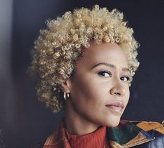 Hear Emeli Sande Soar on Stunning New Song 'Sparrow' Emeli Sande, Song Sparrow, Top Albums, Long Way Home, Listen To Song, Soul Singers, Florence The Machines, Gucci Mane, Sam Smith