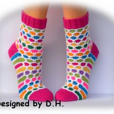 Easy Knitting Patterns, Knitting Stitches, Knitting Socks, Crochet Socks, Knit Crochet, Boot Toppers, How To Purl Knit, Baby Boots, Sock Shoes