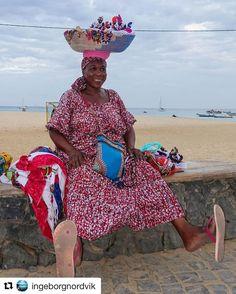 En happy kvinne. #reiseblogger #reisetips #reiseliv  #Repost @ingeborgnordvik with @repostapp  Et siste bilde fra #capeverde av denne flotte damen  #caboverde #kapverde #ourlifeincapeverde #ilhodosal #amazing_shotz #liveterbestute