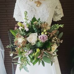 great vancouver florist A little preview of the wedding showcase tomorrow. We've been preparing all week!!! #florist #flowerstagram #weddingflowers by @mayhewflorist  #vancouverflorist #vancouverwedding #vancouverflorist #vancouverwedding #vancouverweddingdosanddonts