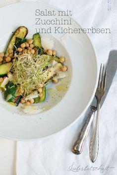 Zucchinisalat mit Kichererbsen