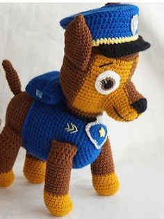 MarionArt: Chase a Mancs őrjáratból amigurumi minta Ryder Pat Patrouille, Chase Pat Patrouille, Crochet Amigurumi Free Patterns, Crochet Motif, Crochet Dolls, Paw Patrol, Crochet Disney, Knitted Animals, How To Start Knitting