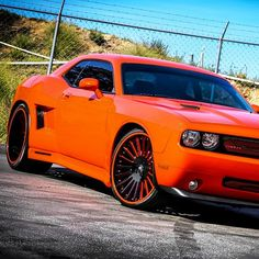 Dodge Challenger, orange