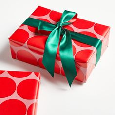Elegant Gift Wrapping, Creative Gift Wrapping, Creative Gifts, Wrapping Ideas, Christmas Gift Wrapping, Christmas Gifts, Christmas Stuff, Christmas Decor, Christmas Ideas