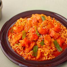 Spicy Rice Cake w/ Ramen