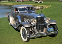 1933 Duesenberg via doyoulikevintage Classic and antique cars. Sometimes custom cars but mostly classic/vintage stock vehicles. Auto Retro, Retro Cars, Vintage Cars, Antique Cars, Duesenberg Car, Automobile, Car Wallpapers, Amazing Cars, Awesome