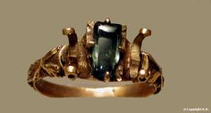 Gold ring with an aquamarine, 14th century