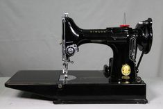 What Should You Pay for a Vintage Sewing Machine — Chatterbox Quilts - What Should You Pay for a Vintage Sewing Machine Best Picture For sewing projects for babies For - Featherweight Sewing Machine, Treadle Sewing Machines, Antique Sewing Machines, Beginner Knitting Patterns, Sewing For Beginners, American Crafts, Sewing Blogs, Sewing Tips, Sewing Projects